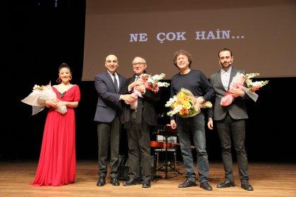 Ataol Behramoğlu, Bakırköy'de sanatseverlerle buluştu