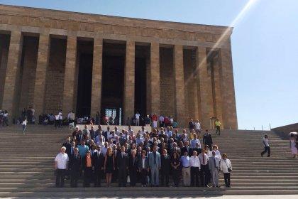 Atatürkçü Düşünce Derneği'nden Anıtkabir'e ziyaret