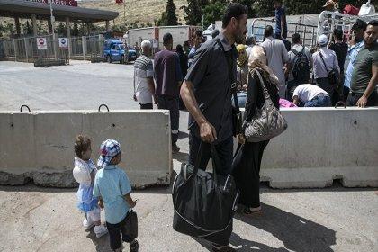 Bayram için ülkelerine giden Suriyelilerin Türkiye'ye dönüşü sürüyor: 'Erdoğan'a çok teşekkür ederiz'