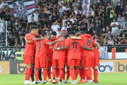 Beşiktaş, UEFA Avrupa Ligi'nde play-off turuna yükseldi
