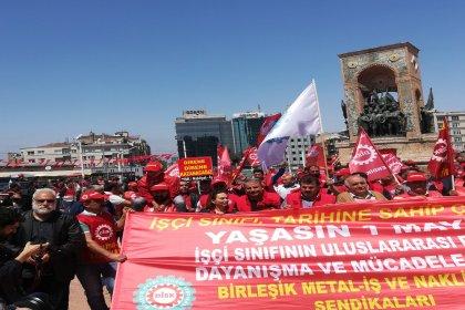 Birleşik Metal İş ve Nakliyat İş, Taksim'e karanfil bıraktı