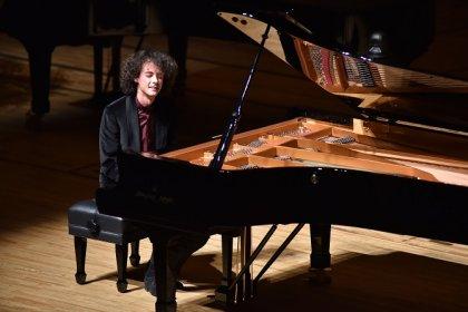 Can Çakmur, Japonya Hamamatsu Uluslararası Piyano Yarışması'nda birinci oldu