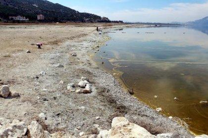 'Çekilme eski haline dönmeyecek şekilde kritik seviyeyi aştı, artık Burdur Gölü'nü eski haline getiremeyiz'