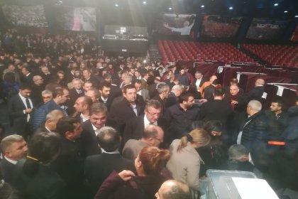CHP İstanbul il kongresinde oy kullanma işlemi başladı