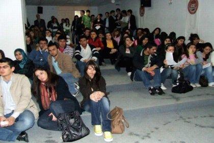 CHP'li Gürer: Gençler işsizlik bunalımında, hükümet yandaşın yanında