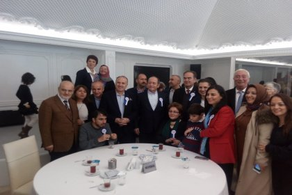 CHP'li Hamzaçebi, otizmli çocuklarla bir araya geldi