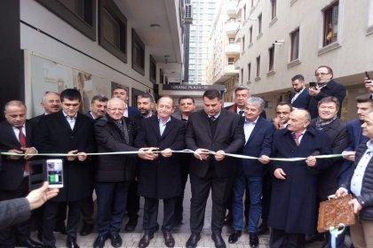 CHP'li vekiller, Marmara Karadenizliler Federasyonu'nun yeni hizmet binasının açılış törenine katıldı