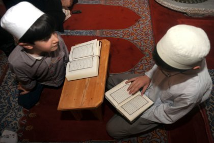 Çocuklara önce Kuran sonra okuma-yazma