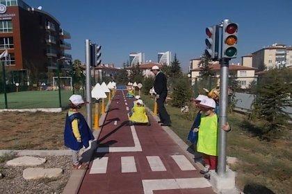 Çocuklara trafik kuralını böyle anlatacaklar: Kırmızı ışıkta geçme kul hakkı yeme