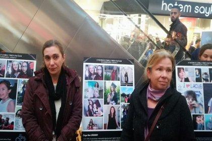 Çorlu'daki tren kazasında yaşamını yitirenlerin anısına ''Kaybettiklerimizin Sergisi'' açıldı