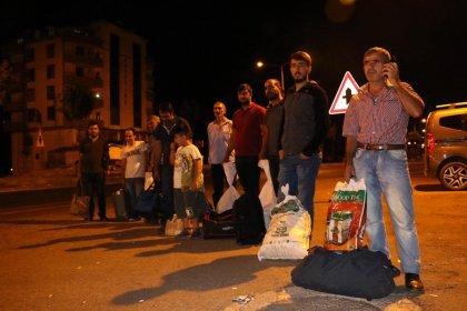 Diyarbakır'dan İstanbul'a giden otobüsün şoförü klima yüzünden tartıştığı yolcuları Siverek'te indirdi