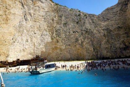 Dünyaca ünlü Navagio plajı çöktü: 7 kişi yaralandı