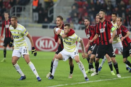 Fenerbahçe, Spartak Trnava'ya 1-0 mağlup oldu