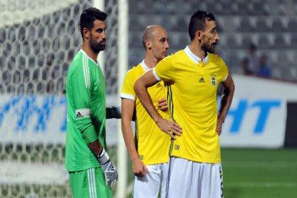 Fenerbahçe'de 3 oyuncu süresiz kadro dışı bırakıldı
