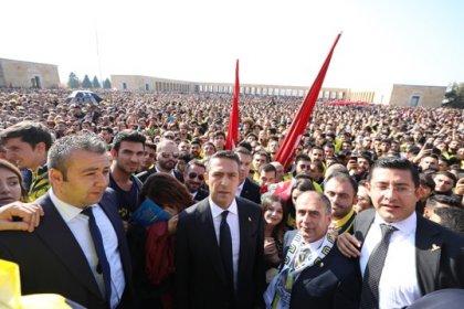 Fenerbahçeli yöneticiler ve taraftarlar Ata'nın huzuruna çıktı
