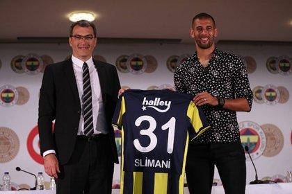 Fenerbahçe'nin yeni transferi Islam Slimani imzayı attı