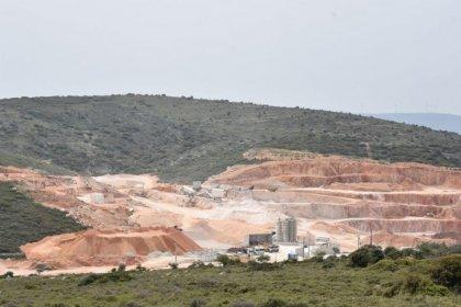 Germiyan'daki kalker ocağı mahkeme kararına rağmen kapatılmıyor