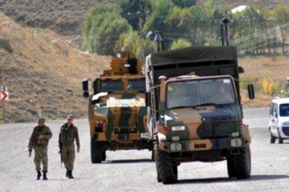 Hakkari'de askeri araç devrildi: 2 asker hayatını kaybetti