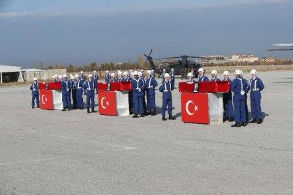 Hakkari'de şehit olan askerlerden 3'ü için Van'da tören düzenlendi