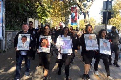 Hekimler şiddete karşı yürüdü