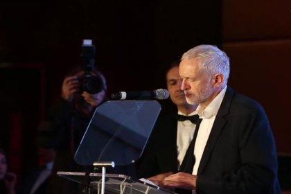 İngiliz İşçi Partisi lideri Jeremy Corbyn'dan Nazım Hikmet şiirli mesaj