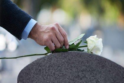 İnsanlar 2050 yılından itibaren kendi cenazelerine katılabilecek