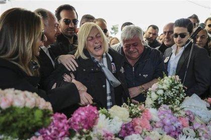 İran'da düşen jette hayatını kaybeden Mina Başaran, Sinem Akay ve Burcu Gündoğan için Ataköy 5. Kısım Camisinde tören düzenlendi