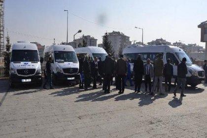 İran'la Türkiye arasında minibüs seferleri başladı