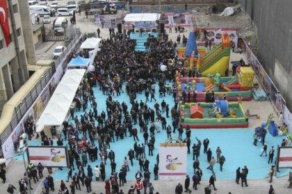 İranlı turistleri ağırlamak için düzenlenen Van Alışveriş Festivali başladı