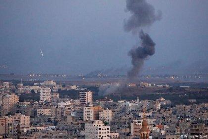 İsrail Gazze Şeridi'ne hava saldırısı düzenledi: 5 kişi hayatını kaybetti