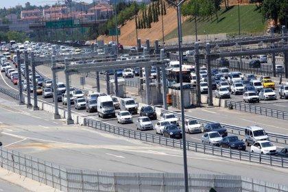 İstanbul boşalıyor; Bayram trafiği başladı