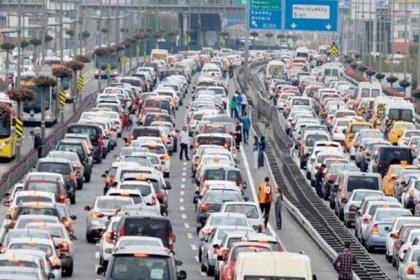 İstanbullular hayatlarının ortalama 3,5 yılını trafikte geçiriyor