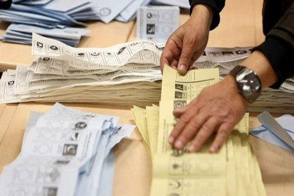 İzmir'de AKP'nin itiraz ettiği 25 bin geçersiz oy yeniden sayılacak
