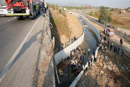 Kaçak göçmenleri taşıyan kamyon devrildi: Ölü sayısı 22'ye yükseldi