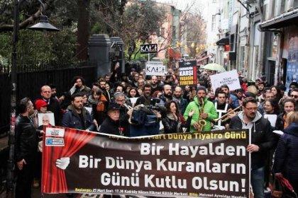 Kadıköy Tiyatrolar Platformu sokağa çıktı: Özgür sanat, özgür tiyatro!