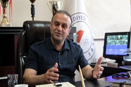 Karataş Belediye Başkanı Boğaçhan Ünal, trafik kazası geçirdi