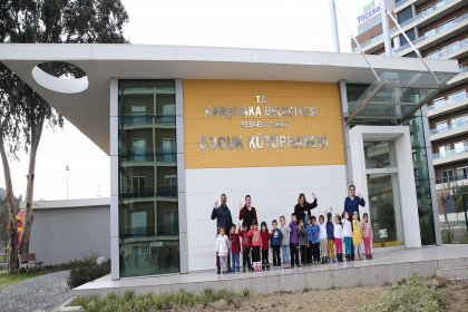 Karşıyaka Belediyesi'nden çocuklar için kütüphane hizmeti
