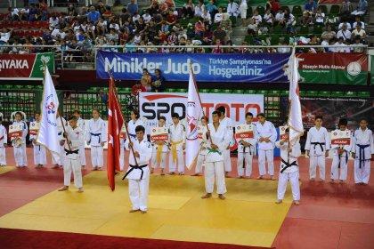 Karşıyaka Belediyesi'nin ev sahipliğini yaptığı Judo Şampiyonası sona erdi