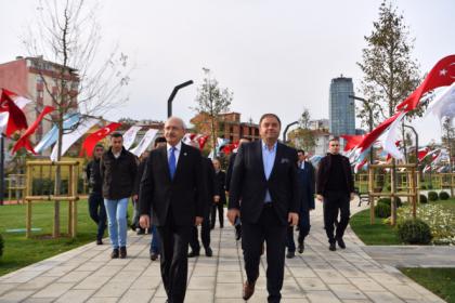 Kılıçdaroğlu, Maltepe Cumhuriyet Parkı'nı ziyaret etti