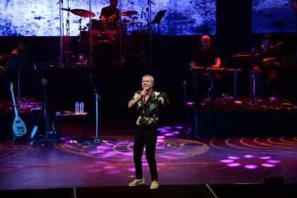 Levent Yüksel'in Harbiye'deki konserine yoğun ilgi