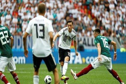 Meksika, son şampiyon Almanya'yı 1-0 mağlup etti