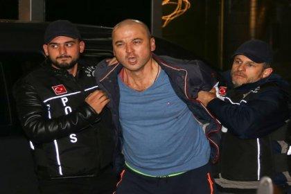 Papağana işkence yapıp görüntülerini paylaşan Murat Özdemir gözaltına alındı
