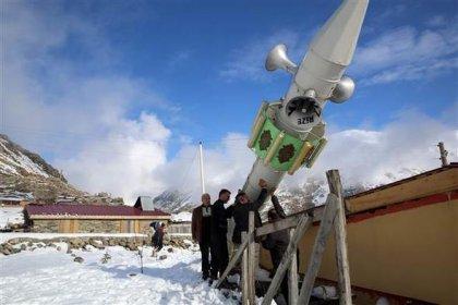 Rize'de çığ yıkmasın diye minareyi bu yıl da yatırdılar: Kış moduna aldık