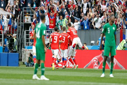 Rusya Dünya Kupası'na galibiyetle başladı