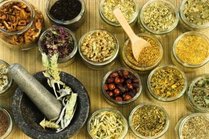 Sağlık Bakanlığı'ndan bitkisel ilaç hamlesi