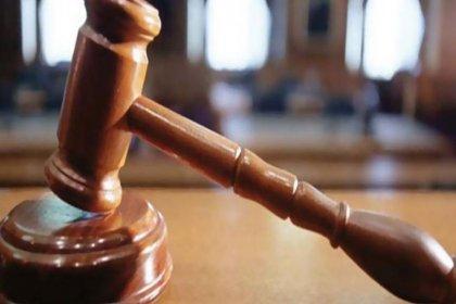 Savcı, boşandığı eşini 55 kez bıçaklayarak öldüren kadın için beraat istedi