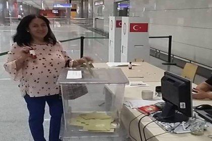 Seçimin ilk usulsüzlüğü: Hem Belçika'da hem İzmir'de havalimanında oy kullandı!