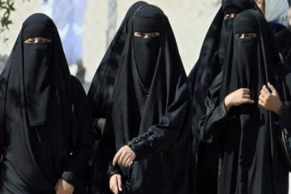 Suudi Arabistan'da çarşaf zorunluluğu kalkıyor