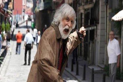 Oyuncu Taner Barlas'ın 'evsiz' rolü için sokakta yatmasına Haluk Bilginer'den eleştiri: Ben tanrıyı oynamıştım bir oyunda, ne yapmalıydım sizce?