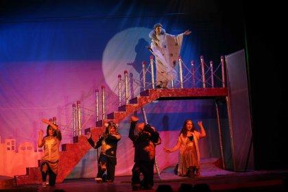 Tiyatronun yıldızları Karşıyaka'da yetişiyor